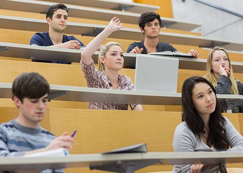 Trouver sa filière d'études à l'international : LCL Banque et Assurance